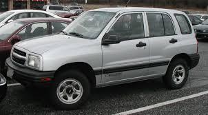 File:99-04 Chevrolet Tracker.jpg - Wikimedia Commons