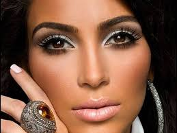 kim kardashian makeup using s