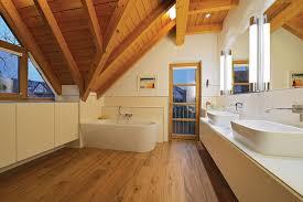Prüfen sie statik und zustand des daches. Badezimmer Einrichten Und Umbauen Holz Design In Dreieich