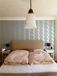Wohnzimmer Mit Dachschräge Und Interessante Wandgestaltung Avec Neu