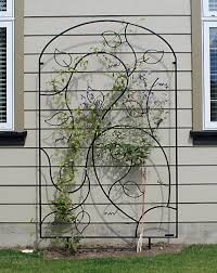 115 best metal trellis images on garden deco garden art iron garden trellis