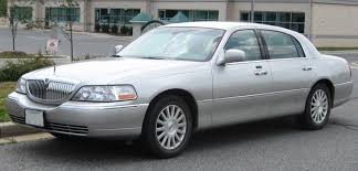 File:Lincoln Town Car .jpg - Wikimedia Commons