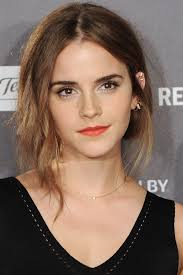 Emma Watson Hair Style Emma Watsons Best Hairstyles Emma Watson Haircuts And Hair Color 4741 by wearticles.com