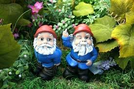 yard gnome clever garden gnome names