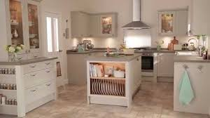 White Kitchen Dresser Unit Burford Stone Traditional Kitchen From Howdens Joinery Youtube