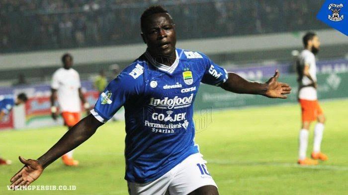 Ezechiel N'Douassel dipertahankan Persib Bandung