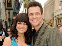 at jim carrey peaks above his mrpoppers penguins co star carla at jim carrey peaks above his mrpoppers penguins co star carla gugino fashion
