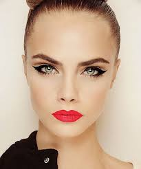 cat eyes cara delevingne