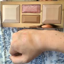 Becca Be Light Face Palette Swatches Of The Becca Be A Light Palette In Light Medium And