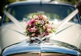 White wedding car www.weddingsonline.in | Wedding car decorations, Wedding  car, Wedding car ribbon