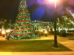 File:Christmas Tree-Southlake Town Square.jpg