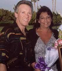 CelebritySaturday: #LindaHatfield, wife of #TheRighteousBrothers #singer  #BobbyHatfield, has #Lupus. They started the … | Bobby hatfield, Celebrity  couples, Singer