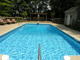 The Best Ways to Keep Your Pool Clean Without Chemicals