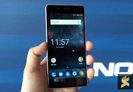 nokia 5 smartphone. hitting the middle ground is nokia 5. it comes with a 5.2\u2033 hd 720p display that\u0027s also protected by gorilla glass. runs on snapdragon 430 processor 5 smartphone