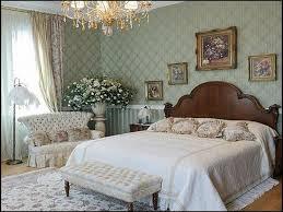 Bedroom Wallpaper Decorating Ideas Victorian Style Bedroom