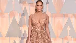 Jennifer Lopez trips on her dress at Oscars 2015 | Zee News via Relatably.com