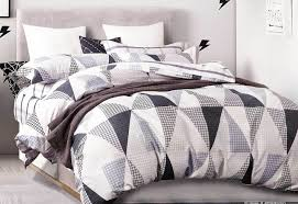 queen size black white repeated triangle quilt cover set 3pcs