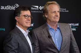 File:Stephen Colbert and Jeff Daniels (42636345264).jpg - Wikimedia Commons