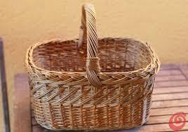 Idee Per Abbellire Il Giardino : Idee fai da te decorare un cesto per abbellire il terrazzo o