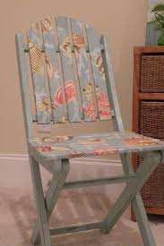 25+ unique Old wooden chairs ideas on Pinterest | DIY decoupage varnish,  Rustic kitchen chairs and Old school desks