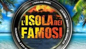Isola dei Famosi 2021: prima puntata tra gaffe di Ilary e l'incidente di  Roberto Ciufoli