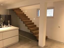 Dieser handlauf wertet ihre treppe optisch auf, ist einfach zu montieren und schafft gleichzeitig sicherheit. Treppen Gelander Schreinerei Und Holzfachmarkt Holz Weiss In Geiselhoring