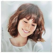 小泉里子髪型画像30選ボブパーマ前髪短め 前髪長めもの画像