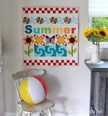 summer fun wall hanging is quilted and