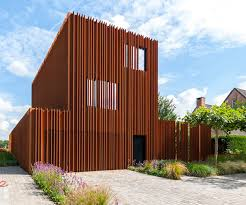 Cor ten steel Rusted Architecture Sculpture Wordpresscom Rusted Corten Steel Fins Define The Interior And Exterior Of The