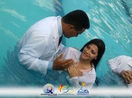 Resultado de imagem para batismo em aguas