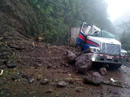 Truck Q Rica 32 The Killed Ruta Landslide By When On Costa Hit Driver qxa1OFwpf