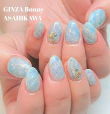 Ginza Bonny旭川店さんのネイルデザイン クリアブルーの海をイメージ