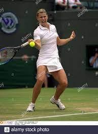 Tennis - Wimbledon Tennis Championships , 3/7/00 Pflichtnachweis - Action  Images / David Slater Anke Huber - Deutschland Stockfotografie - Alamy