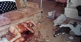 Resultado de imagen para La actriz Sharon Tate fue asesinada, junto a otras cuatro personas, por el clan «la familia» Manson cuando le faltaban apenas unas semanas para dar a luz