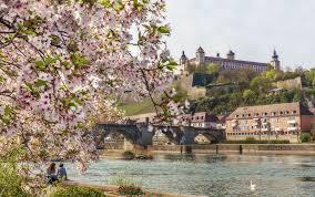 Frankfurt 115 km, nuremberg 115 km, stuttgart 150 km. Tourismus Wurzburg Entdecken Sehenswurdigkeit Festung Marienberg