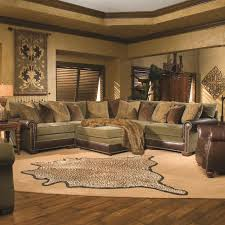 Traditional Sectional Sofas Living Room Furniture Huntington House Ryan Traditional Sectional Sofa With Nailhead