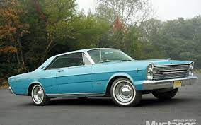 1966 Ford Galaxie 500 My 2nd Car Mine However Was Painted Dark Metallic Blue With A Black Vinyl Roof Ford Galaxie Ford Galaxie 500 Galaxie