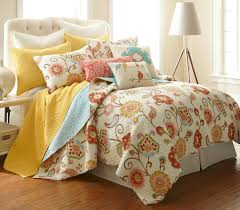amazoncom ashbury spring king quilt set home  kitchen