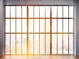 Frontansicht Des Inter Mit Betonboden Und Große Gerahmte Fenster Mit