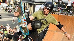 Tony Hawk x Vans: Die Skateboard-Legende wird neuer Markenbotschafter von  Vans