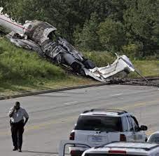 Travis Barker and DJ AM in fatal plane ...