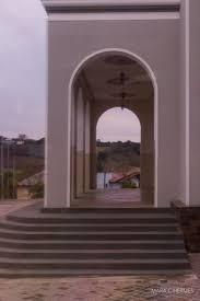 As portas de entrada do imóvel são consideradas externas, por isso, requerem cuidados especiais na hora da escolha. Decoracao Externa Sobre A Porta Principal Picture Of Igreja Matriz De Nova Padua Nova Padua Tripadvisor