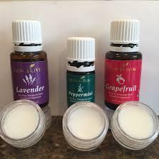 diy lip balm 2 parts coconut oil 1 part beeswax pellets a few drops of vitamin
