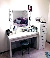 small bedroom vanity – thegoodcloset
