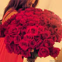 Красивые на аву девушек с цветами 5