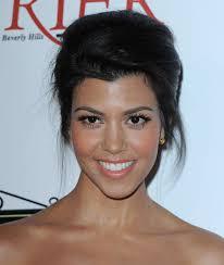 kourtney kardashian false eyelashes