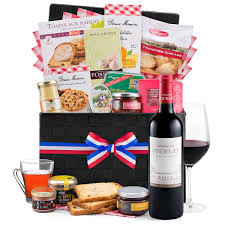 luxurious gourmet her french delights with red wine 01