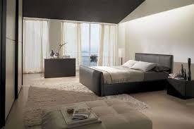 Camera Da Letto Beige E Marrone : Camera da letto nero lucido camere classiche di lusso