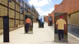 """Résultat de recherche d'images pour """"prison du muséum de l'apartheid"""""""