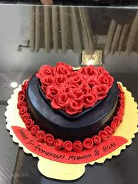 Rose Birthday Cake At Your Celebration Place Cakescompk